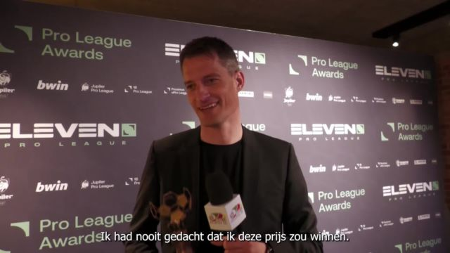 """""""I was surprised but I'm so proud and happy. I want to thank all my players, staff, the club and the fans for the support."""" - @alexanderblessin #kvoostende #jpl #coachoftheseason #trainervhjaar #blessin"""