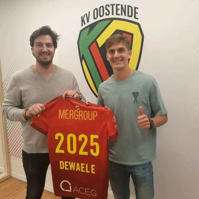 """Welcome @siebendewaele ! He joins from Anderlecht and signs til 2025.  He will be loaned out to @asnancylorraine for this season.   @gganaye : """"We already wanted to sign him in the beginning of the transfer window. He is a talented Belgian player with a lot of potential.""""  #dewaele #kvoostende #jpl #nancy"""