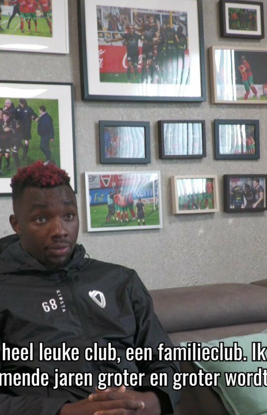 Q & A with Thierry Ambrose. Why is his hair red? and who fixes this? With which players did he play together at City?👉 Q & A with @thierryambrose68 !#kvoostende #ambrose #q&a
